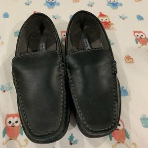 Kenneth Cole Reaction  Black Loafers